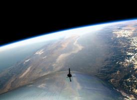 الإمارات توقع تفاهما مع «فيرجن جالاكتيك» لتسيير رحلات فضائية سياحية